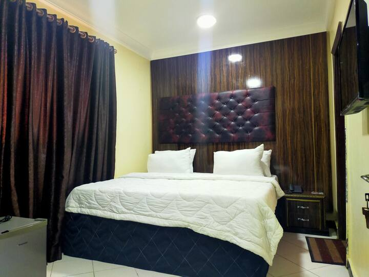 Pameec Luxury Suites Utako - Diplomatic Suite