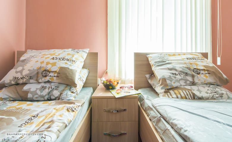 Twin room in central hostel w/breakfast, shared WC