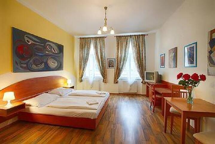 Komfortables Appartement mit Frühstück für bis 4 Personen im Prager Stadtzentrum