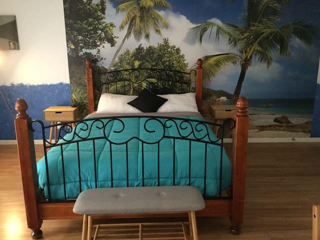 Affordable Beach Getaway - Private Studio