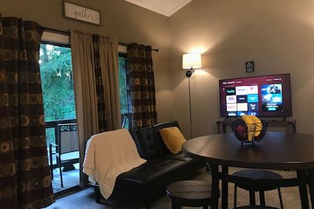 Cozy Condo 5 min Casino area free wifi