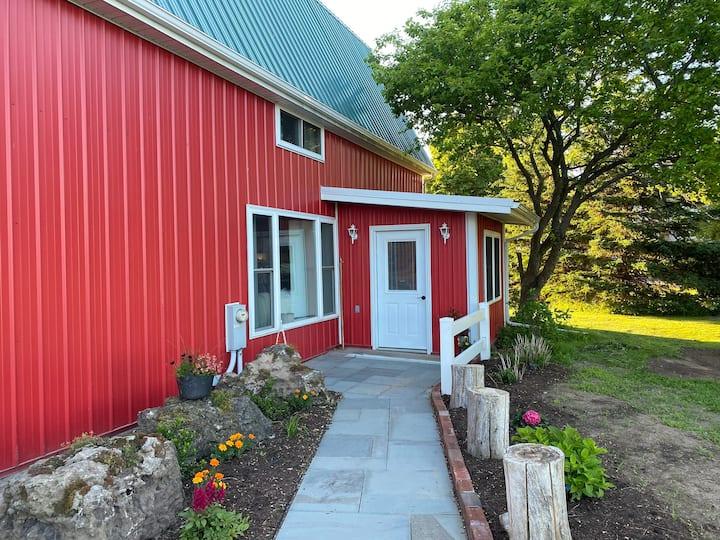 Lake View 3 Bedroom Barn