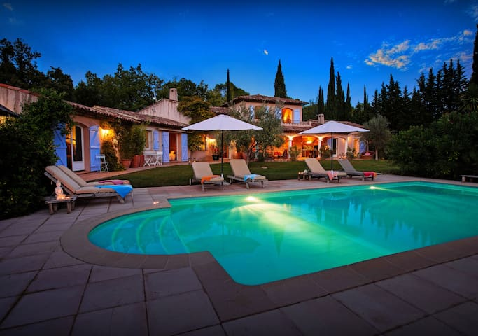 OVO NETWORK - Hill-top villa in Provence with pool, terraces and garden - Lorgues - Villa
