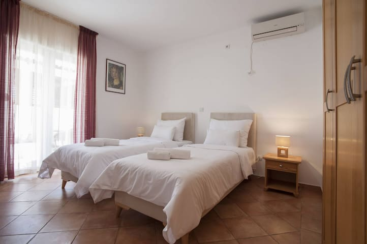 Twin Room with Pool access - Djurasevici