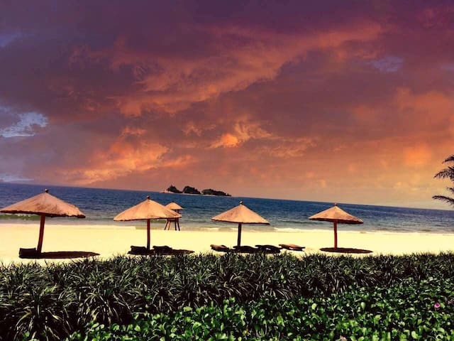 阳江海陵岛十里银滩海洋风情两房两厅海景超大套房(距海滩350米)
