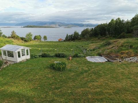 Landlig leilighet nær sjøen
