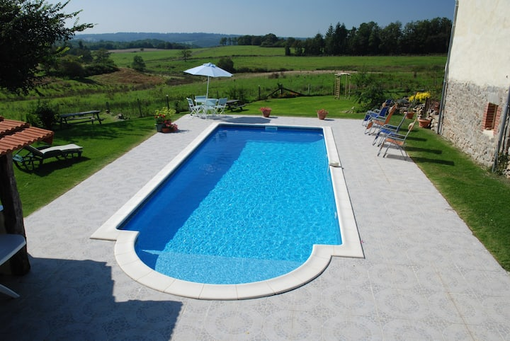 Gite with stunning view and pool
