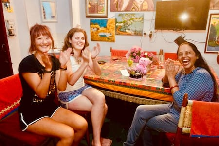 Enjoy! Home + Cultural Experience with Hari Pari-4