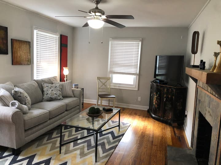 Centrally located Huntsville home away from home