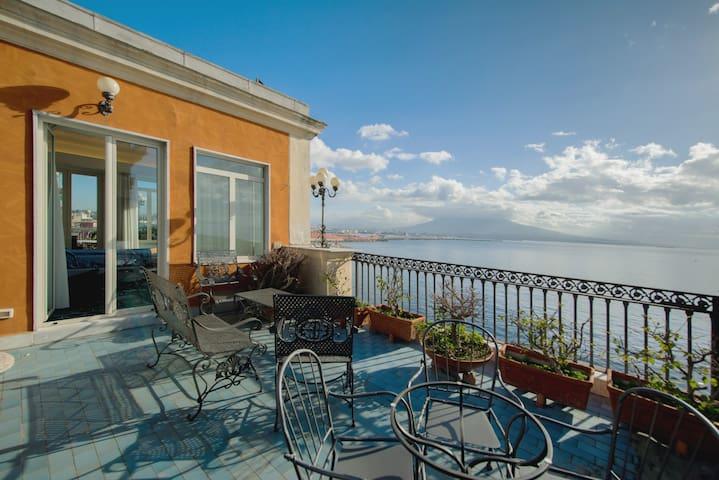 """""""Splendid Belvedere""""attico sul mare!"""