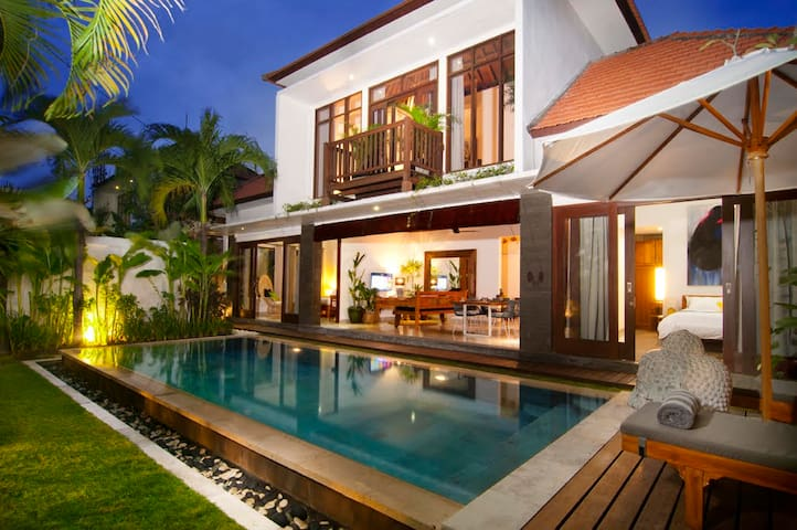 Villa Erja 3 br - private pool-close Seminyak