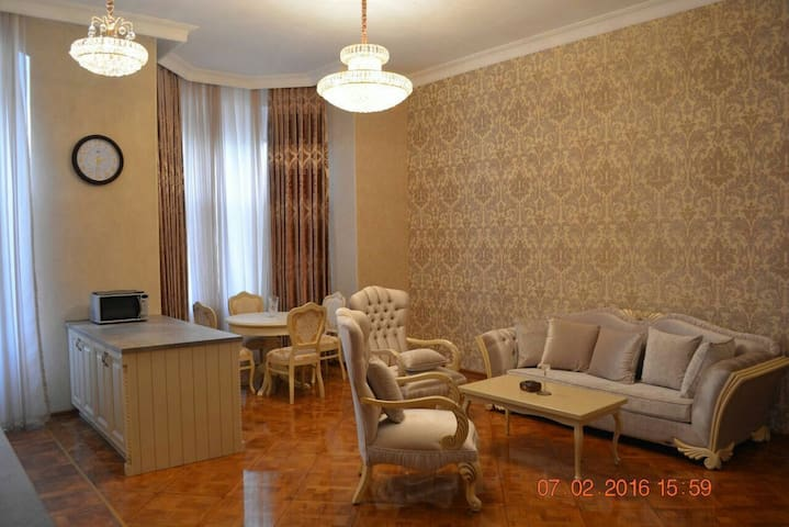 Classical apartment in heart of Baku