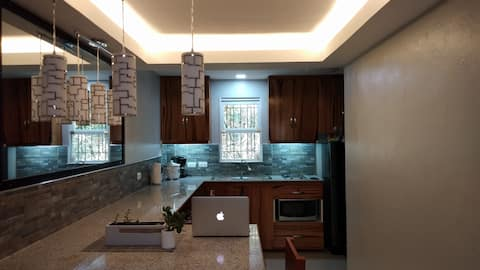 2 Story SmartHome w/balcony near Dumaguete Airport