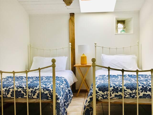 La Blatière, The Stables twin bedroom