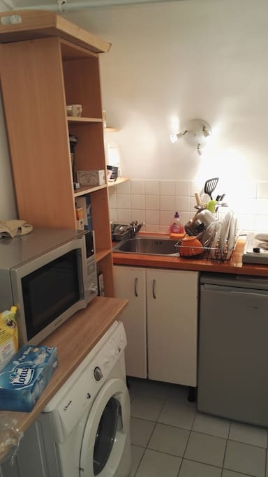 Petite cuisine, micro-ondes/four, lave-linge