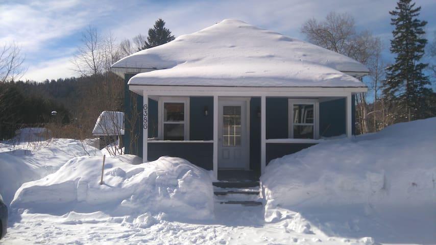 Maisonnette à louer - Val-Morin - Maison