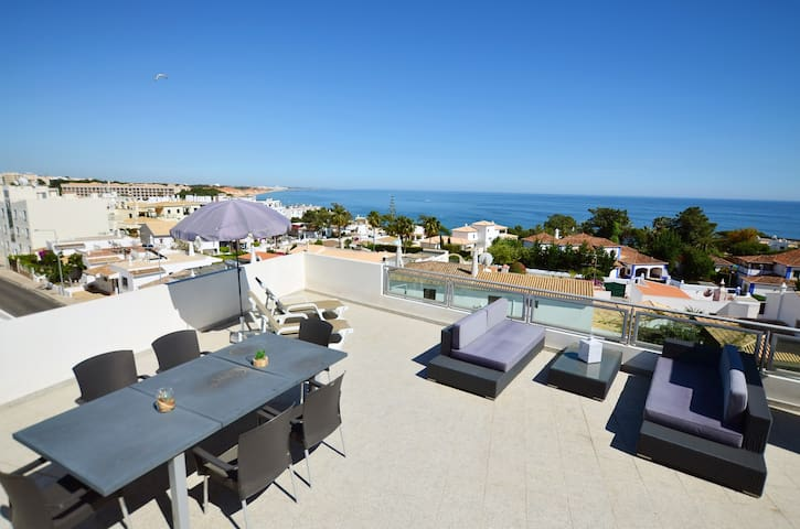 2 BED APARTMENT SEA VIEW WIFI A/C 150m FROM BEACH