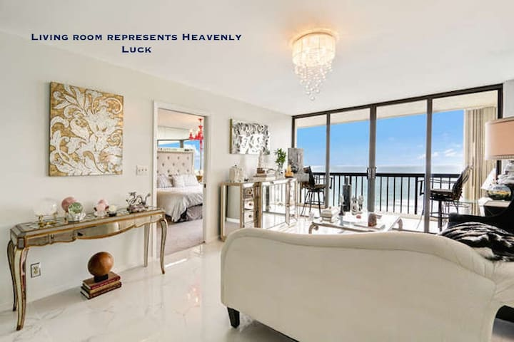 Gorgeous Beach Front Penthouse Feng Shui Design - Jensen Beach - Condominium