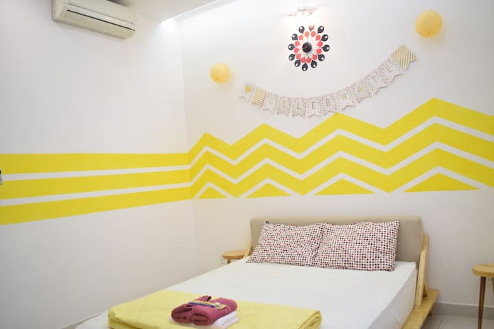 Handmade Yellow-ish room in SGN - Ho Chi Minh City - Hus