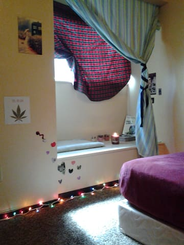 420 Private Room, Shared Bathroom - Colorado Springs - Apartament