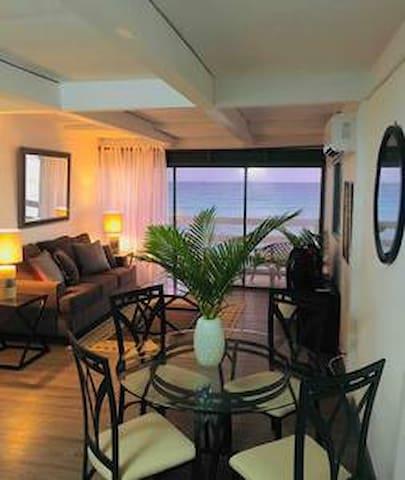 Villas on the beach . upper floor suite