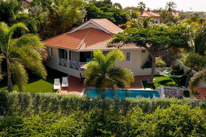 ★ Live the Island Life ★ Residence Palm Breeze ★