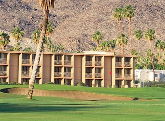 WorldMark Palm Springs-Plaza Resort  Studio