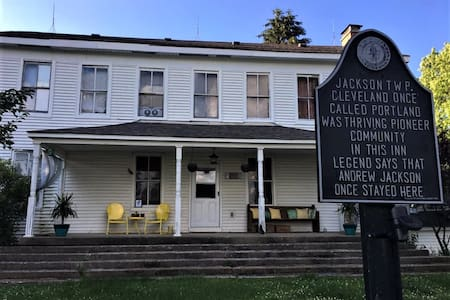 1800s Home on Indiana's Historic National Road