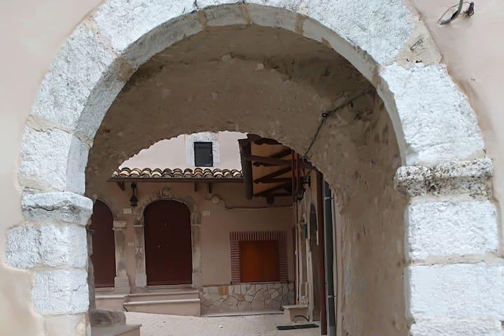 Incantevole appartamento nell'antico borgo.