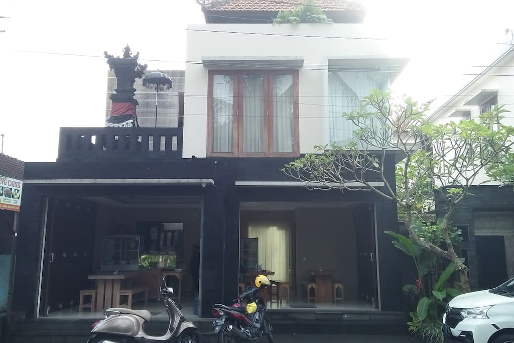Front of the house - Famous Warung Carik Mbok Sri