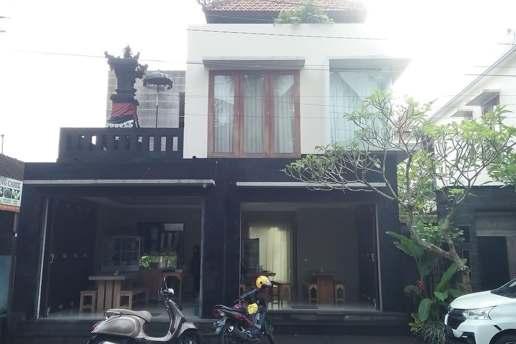 Front of the house - Famous Warung Carik Mbok Sri
