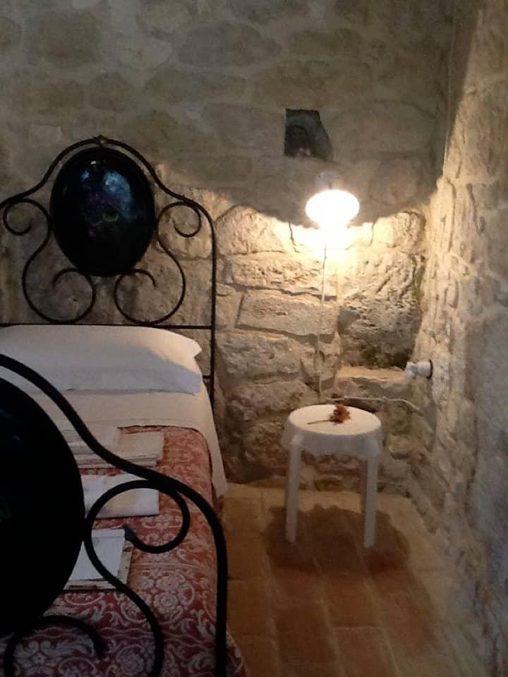 Falco Pellegrino, appartamento in pietra del 700