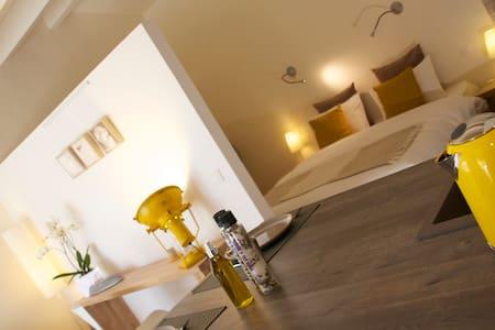 Deluxe Suite in Olive garden - Hus