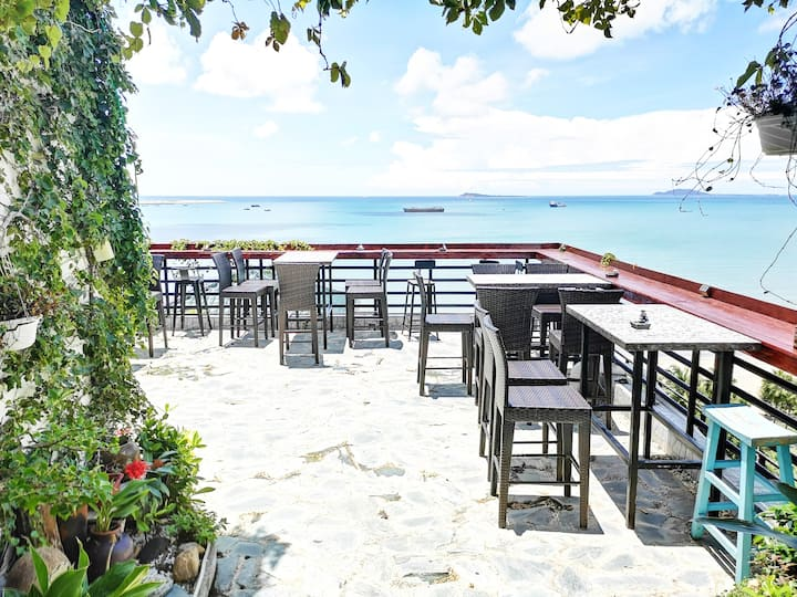 三亚湾海月广场正海景大床房1分钟到海边景区吃饭超方便