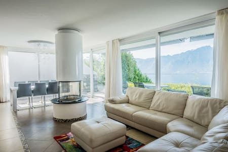 Comfortable magical family home with the best view