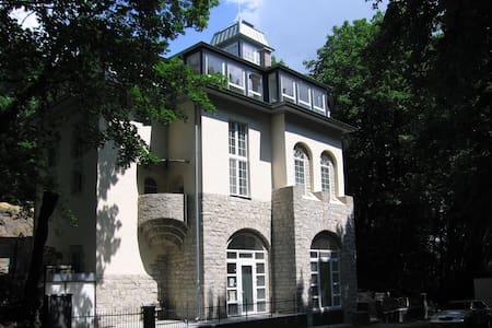 moderne Wohnung im alten Umspannwerk - Berlin