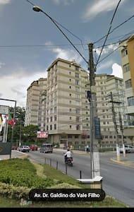 Ap. Centro de Nova Friburgo,amplo e seguro