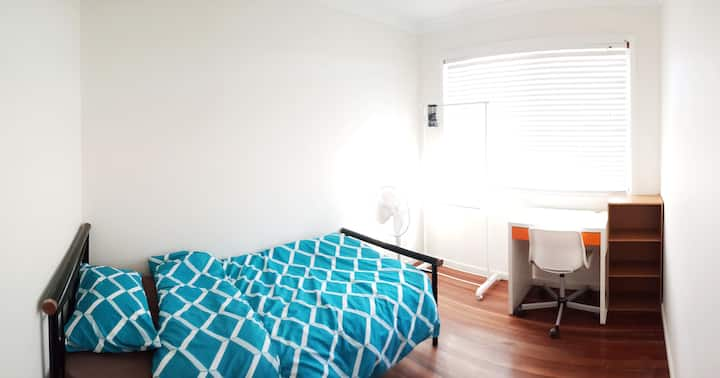 Single bed room, Sunnybank plaza走路可到S01