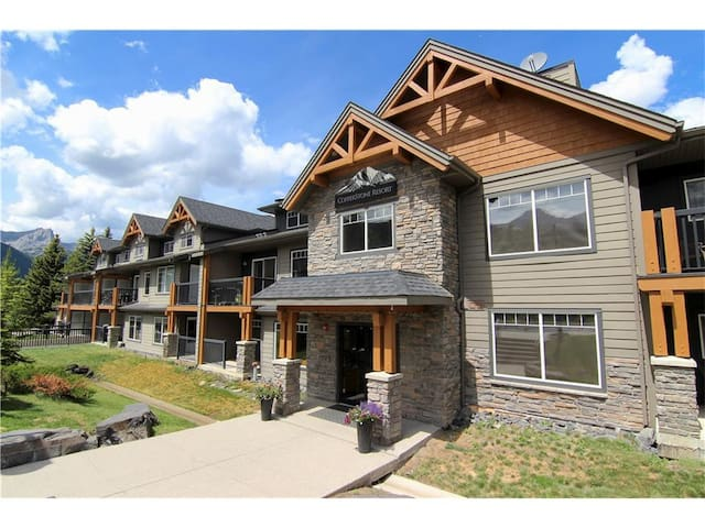 Mountain Resort – 4 Star Condo in Rockies - Dead Man's Flats - Kondominium