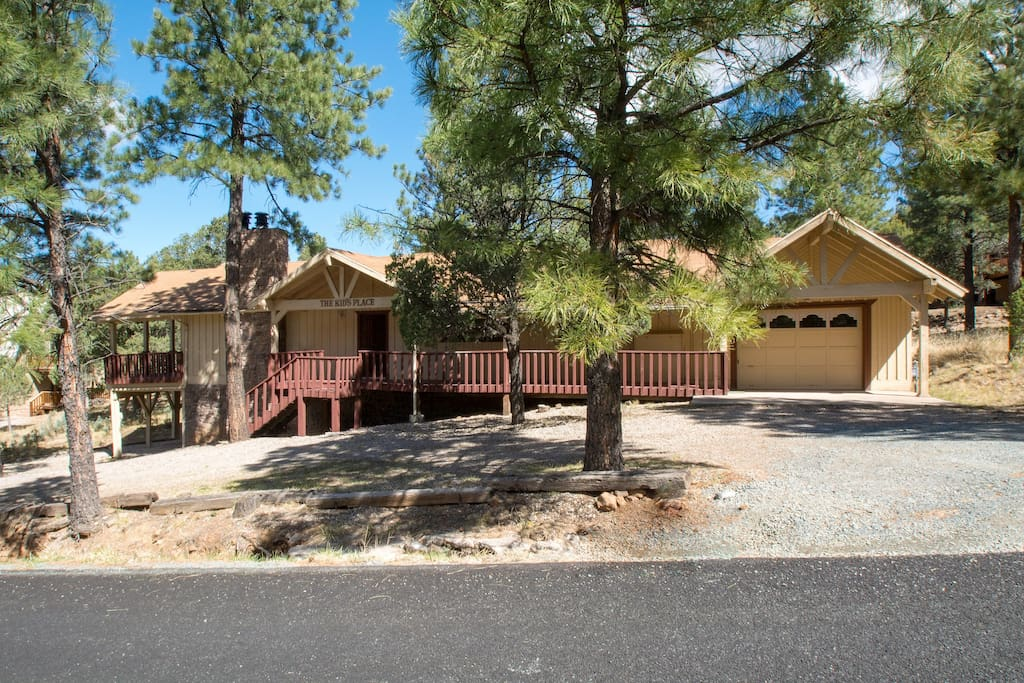 Big Secluded Close To The Village 4br 2 5 Ba Cabins