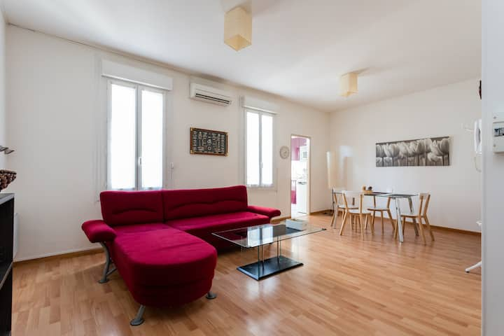 Warm and cosy apartment in the heart of Beziers!