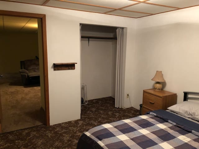 Basement Apartment - Home away from home