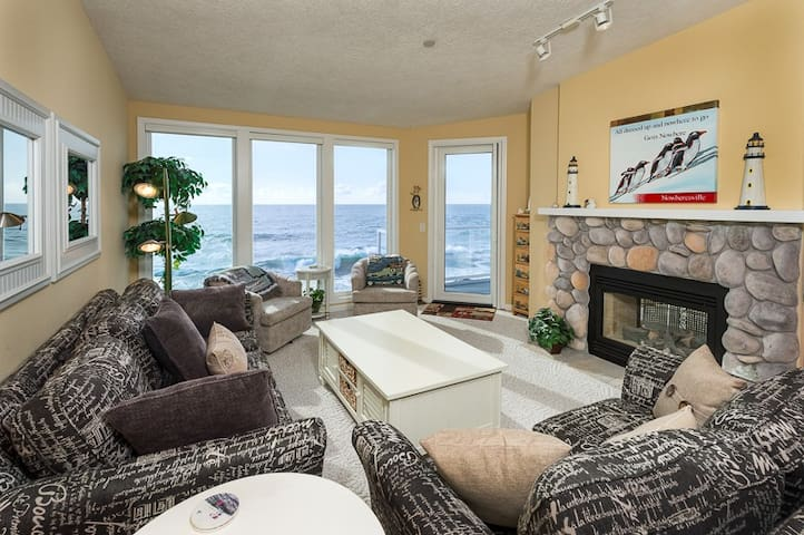 SUITE DREAMS: Top Flr 2K Mstr, Oceanfront & Whales