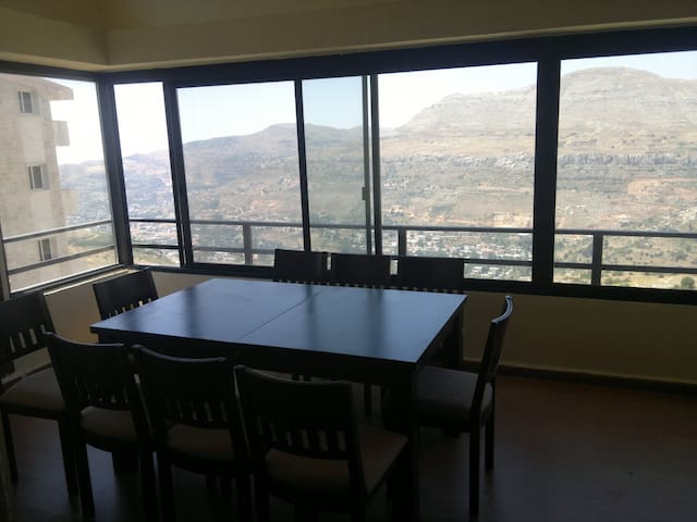 Large, comfy Faraya chalet with breathtaking view