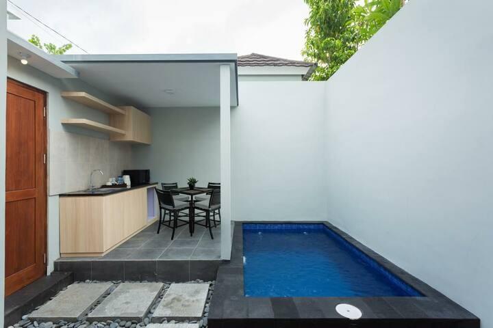Cheap Private Plunge Pool Villa Near Berawa Beach