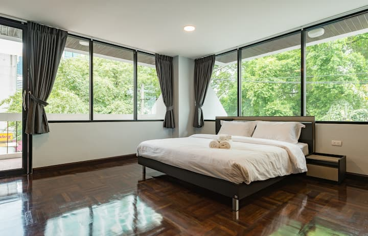 1BR (80SQM) for 2PAX: 1-Min from BTS Nana