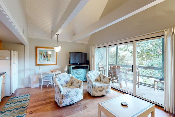 Freshly renovated seaside home - close to tennis, golf, and beach activities