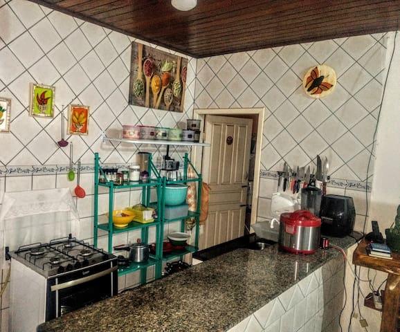 Suíte em apartamento no Centro de Porto Seguro