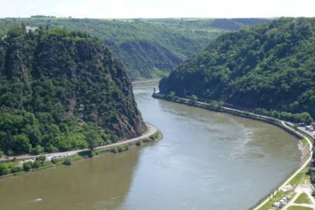 Das Rheintal an der Loreley