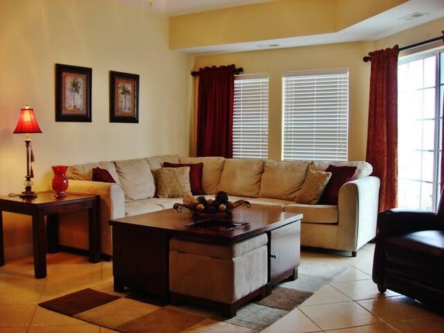Elegant 6BR Myrtle Beach Villa - North Myrtle Beach - Villa
